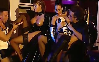 Anal and DP fun in fetish foursome with chick in thigh boots