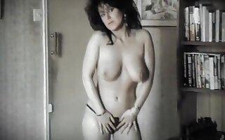 Vintage 80 jiggling tits dance strip