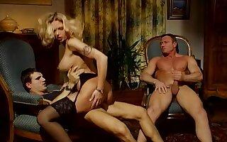 Pop off Teufels Nonne - honcho blonde in retro threesome anal copulation
